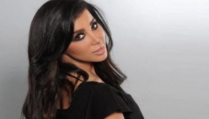 الكويت ترحل إعلامية لبنانية بسبب صورها على إنستجرام