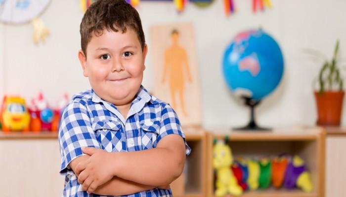 باحثون: الحد من إعلانات التليفزيون قد يقلل سمنة الأطفال