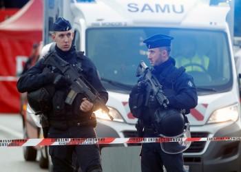 عقب حادثة المدرس.. فرنسا تطرد 230 أجنبيا تتهمهم بالإرهاب