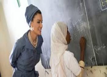 الشيخة موزا تبحث التعاون التعليمي مع السفير التركي لدى قطر