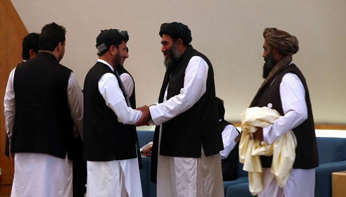 وزير خارجية قطر يبحث مع طالبان دفع الحوار الأفغاني