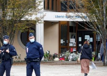 رسميا.. 7 متهمين في واقعة قطع رأس المدرس الفرنسي