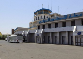 إعلام عبري: طائرة نفاثة خاصة تحط في مطار الخرطوم