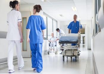 حدث بالفعل.. مواطن روسي دخل المستشفى للعلاج فخرج وهو حامل
