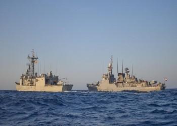 القوات البحرية المصرية والإسبانية تنفذان تدریبا بحريا عابرا