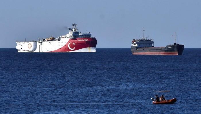 الناتو يدعو تركيا واليونان لوقف الاستفزازات المتبادلة بشرق المتوسط