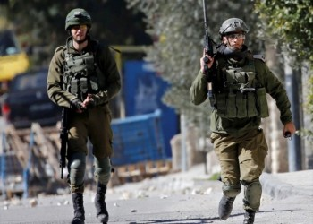 جنود الاحتلال يقتلون شابا فلسطينيا بالضفة بأعقاب البنادق