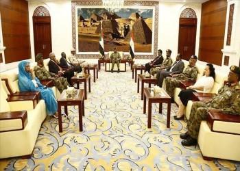 مسؤول سوداني يتهم البرهان وحمدوك بالانفراد بقرار التطبيع