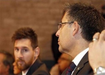 ماذا فعل ميسي بعد استقالة رئيس برشلونة؟ (فيديو)