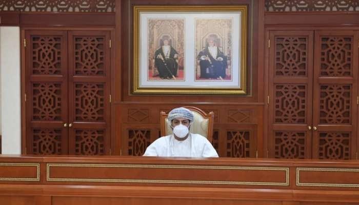 سلطنة عمان تقرر إخضاع القادمين لـ3 فحوصات كورونا