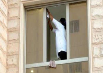 بيع الخادمة بـ3 آلاف دينار.. كورونا يشعل أزمة العمالة المنزلية بالكويت