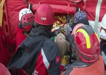 إنقاذ طفلة بعد 91 ساعة تحت الأنقاض.. وعدد ضحايا زلزال إزمير يرتفع إلى 102
