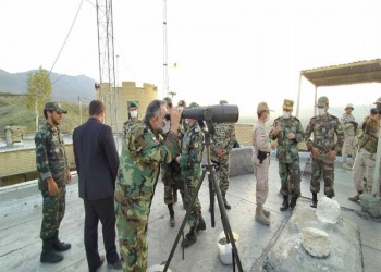 جيش إيران ينقل معدات عسكرية للحدود مع تواصل صراع قرة باغ (فيديو)