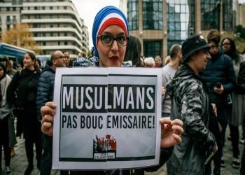 ثلثا مسلمي فرنسا يرفضون إظهار المعلم رسوما مسيئة لشخصيات دينية للتلاميذ