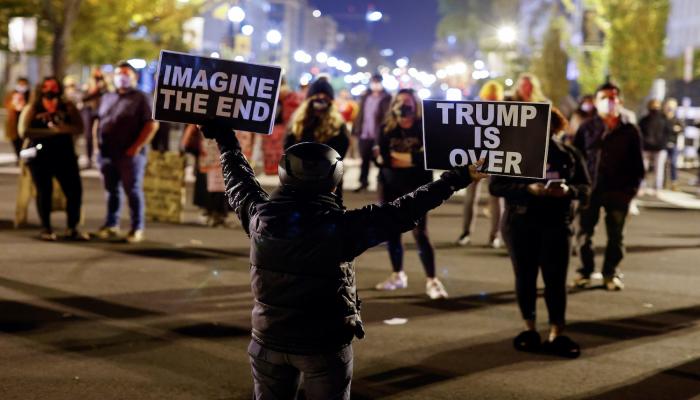 138 مليون ساعة نوم فقدها الأمريكيون لمتابعة الانتخابات الرئاسية