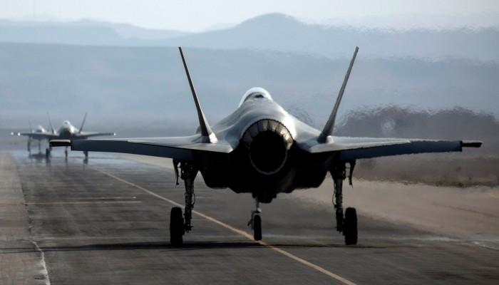 هدية وداع بـ23.4 مليار دولار.. ترامب يمد الإمارات بمسيرات ومقاتلاتإف-35