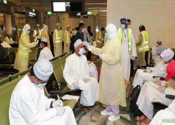 عمان تسمح بإعادة فتح المساجد الكبرى في غير الجمعة