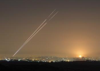 صواريخ من غزة تستهدف تل أبيب ومستوطنات.. وإصابات بين إسرائيليين (فيديو)