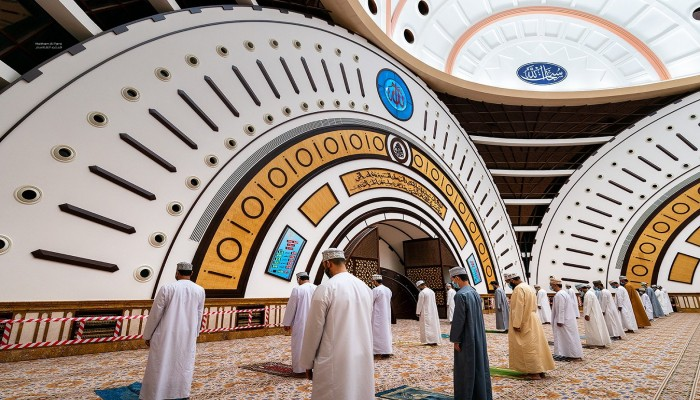 كيف استقبل العمانيون فتح المساجد بعد 8 أشهر من الإغلاق؟