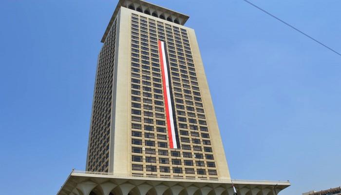 القاهرة ترفض انتقادات فرنسية بشأن اعتقال حقوقي مصري