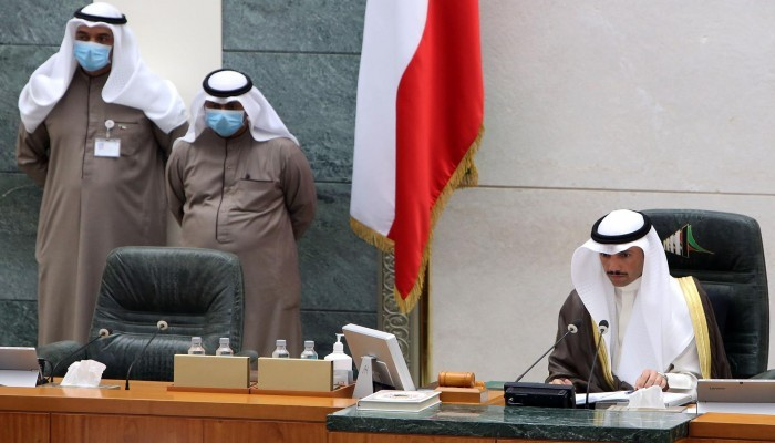 توجه كويتي لمنع مصابي كورونا من التصويت في الانتخابات
