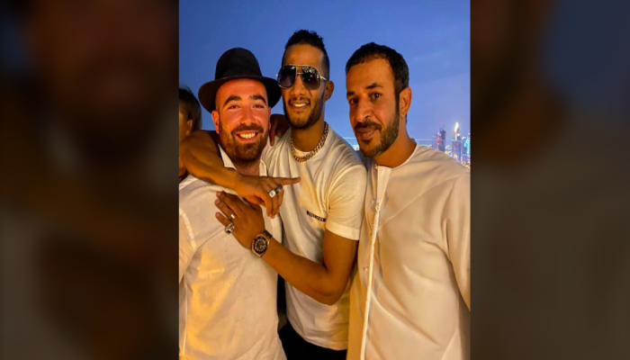 أول رد من المهن التمثيلية على صورة محمد رمضان مع مطرب إسرائيلي