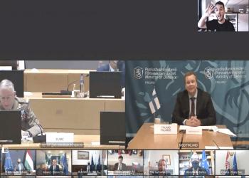 صحفي يقتحم اجتماعا سريا عبر الفيديو لوزراء دفاع الاتحاد الأوروبي (شاهد)