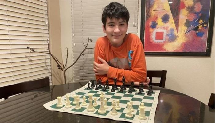 طفل تركي ضمن أفضل 100 لاعب شطرنج عالميا