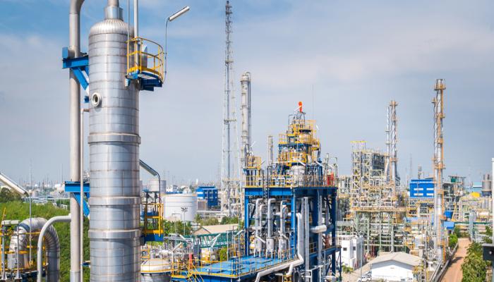 الصين تتفوق على أمريكا كأكبر مصدر لتكرير النفط في العالم عام 2021