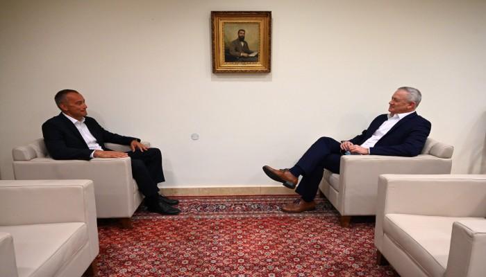 وزير الدفاع الإسرائيلي يعلن استعداده لتسوية مع حماس