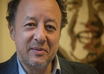 احتجاز مدير المبادرة المصرية للحقوق الشخصية في حبس انفرادي