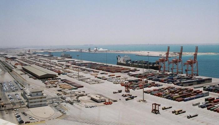 انفجار سفينة تشغلها اليونان في ميناء سعودي.. والتحالف: عمل إرهابي
