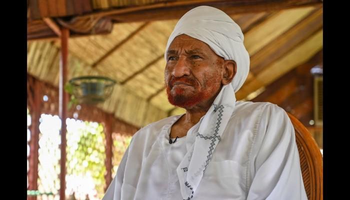 وفاة زعيم حزب الأمة السوداني الصادق المهدي في الإمارات