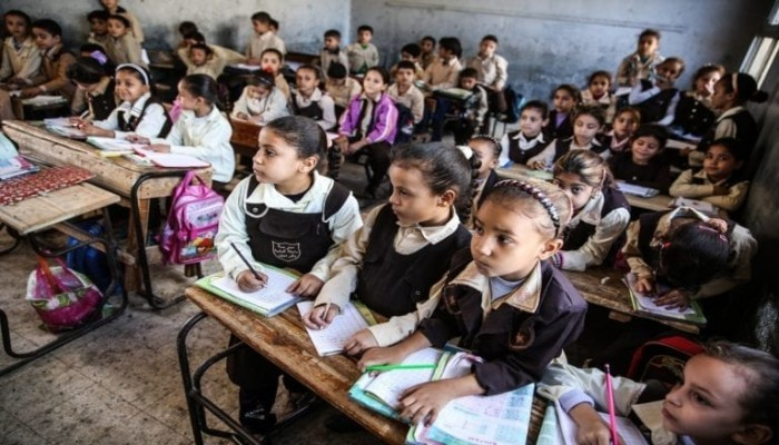 مصر تفرض رسوما جديدة على المدارس والجامعات والمحمول وتراخيص السيارات