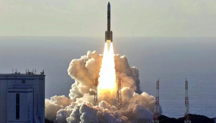 الإمارات تطلق القمر الصناعي عين الصقر-2 لأغراض عسكرية