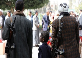 بينهم قائد لواء.. الحوثيون يعلنون انضمام 15 شخصا من قوات هادي إليهم