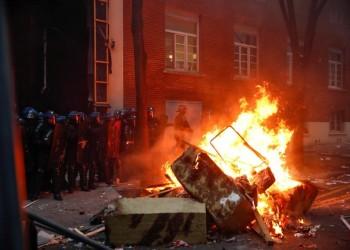 عنف واشتباكات بين محتجين والشرطة بباريس بسبب قانون الأمن الشامل