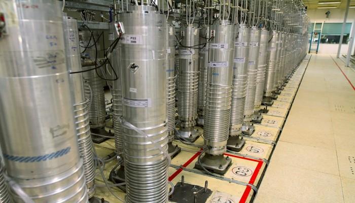 طهران تبلغ الطاقة الذرية بتركيب 500 جهاز طرد مركزي في نطنز