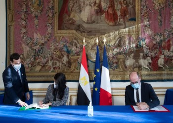 بعد زيارة السيسي.. مصر تقترض 715 مليون يورو من فرنسا