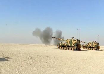 قطر وتركيا تجريان تدريبات بالمدفعية في الدوحة (بالصور)