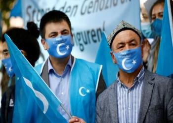 الصين تجبر مئات الآلاف من مسلمي الإيجور على العمل بحقول القطن