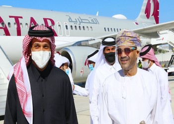 وسط حديث المصالحة.. وزير خارجية قطر يبدأ زيارة مفاجئة إلى مسقط