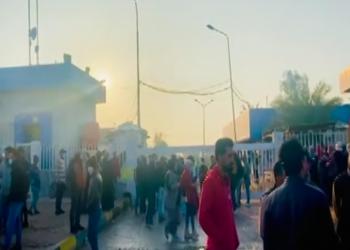 محتجون عراقيون يغلقون شركتين للنفط والغاز في البصرة