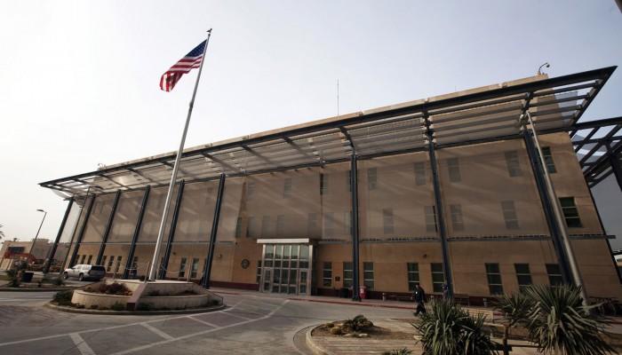 بعد الهجمات.. واشنطن تدرس موقعين لنقل سفارتها ببغداد إلى أحدهما
