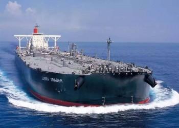 الثالث في شهر.. ارتطام سفينة شحن بلغم حوثي في البحر الأحمر