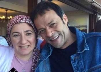 بعد إسقاط جنسية زوجته.. اعتقال 5 من أبناء أشقاء فنان مصري معارض
