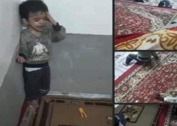 مقطع فيديو وثق الجريمة.. اعتقال عائلة عراقية عذبت طفلها