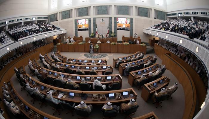 نواب كويتيون يعترضون مجددا على تشكيل لجنة تحقيق في الجلسة الافتتاحية