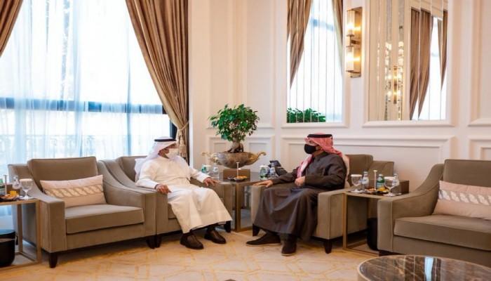 قبيل القمة الخليجية.. وزير خارجية قطر يستقبل أمين عام مجلس التعاون