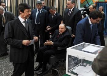 شقيق بوتفليقة يكشف وضع الرئيس الجزائري السابق رهن الإقامة الجبرية